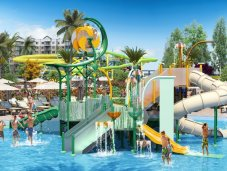Surfari Water Park - children's pool and slide