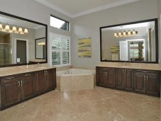 Luxorious master bathroom